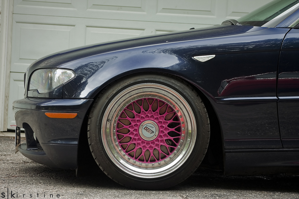 Black BMW E46 on Pink BBS RS