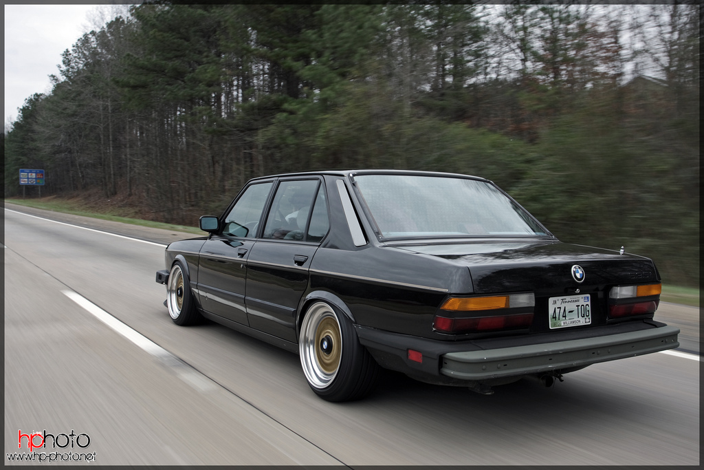 Black BMW 535i E28 on Gold BBS RS Black Caps