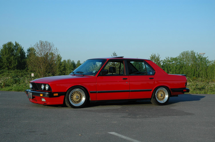 "Red BMW 535is E28 on 16"" Gold BBS RS"
