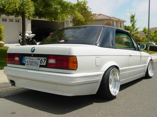 White BMW E30 Convertible on White BBS RS