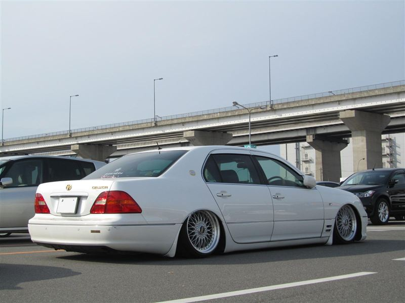 White Toyota Celsior BBS Super RS VIP