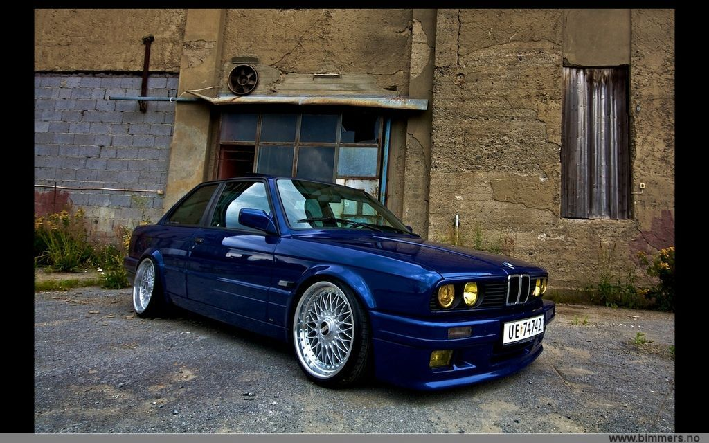 BMW E30 in Blue on BBS RC Wheels