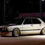 "BMW 528i E28 on 17"" Gold BBS RS"