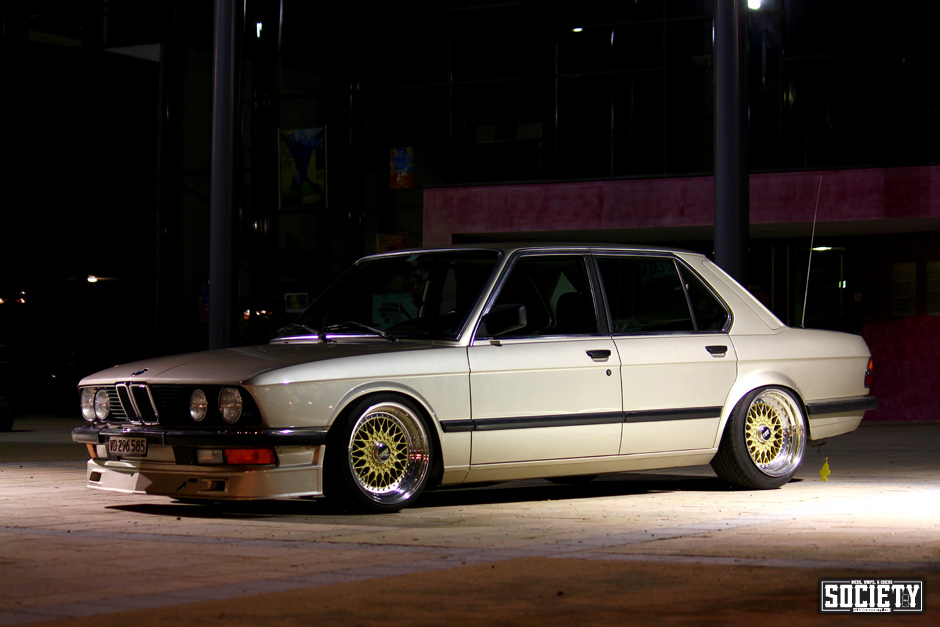"BMW 528i E28 on 17"" Gold BBS RS 212 & BBS RS 197"