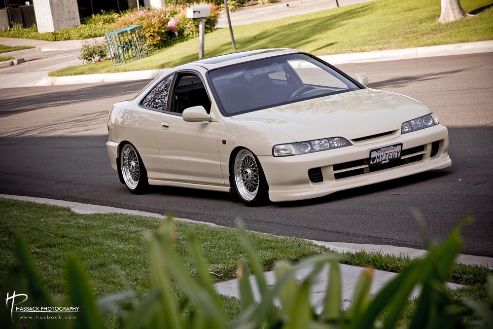 "Creamy White Acura Integra 16"" BBS RS"