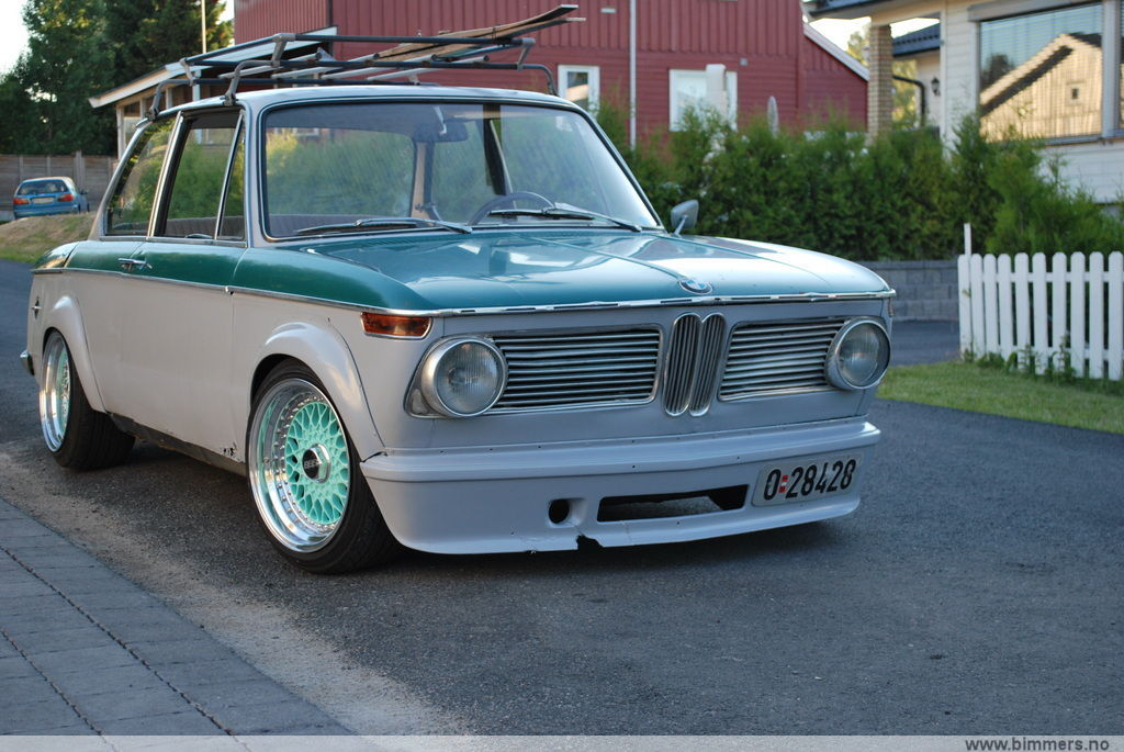 E10 BMW 2002 on Tiffany Blue BBS RS