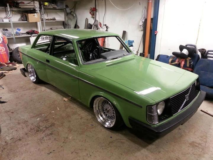 Green Volvo 242 Coupe on Wide BBS RS | BBS RS Zone
