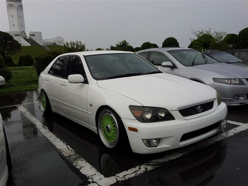 "White Toyota Altezza Lexus IS300 on 17"" Green BBS RS"