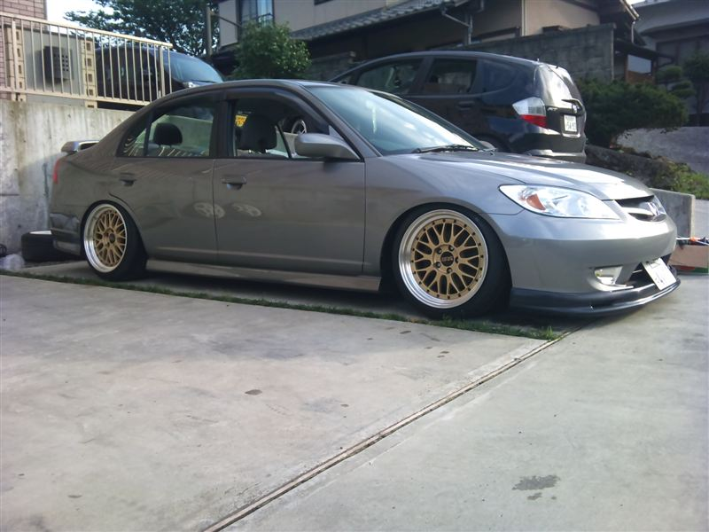 "JDM Honda Civic Ferio on 18"" Gold BBS LM"